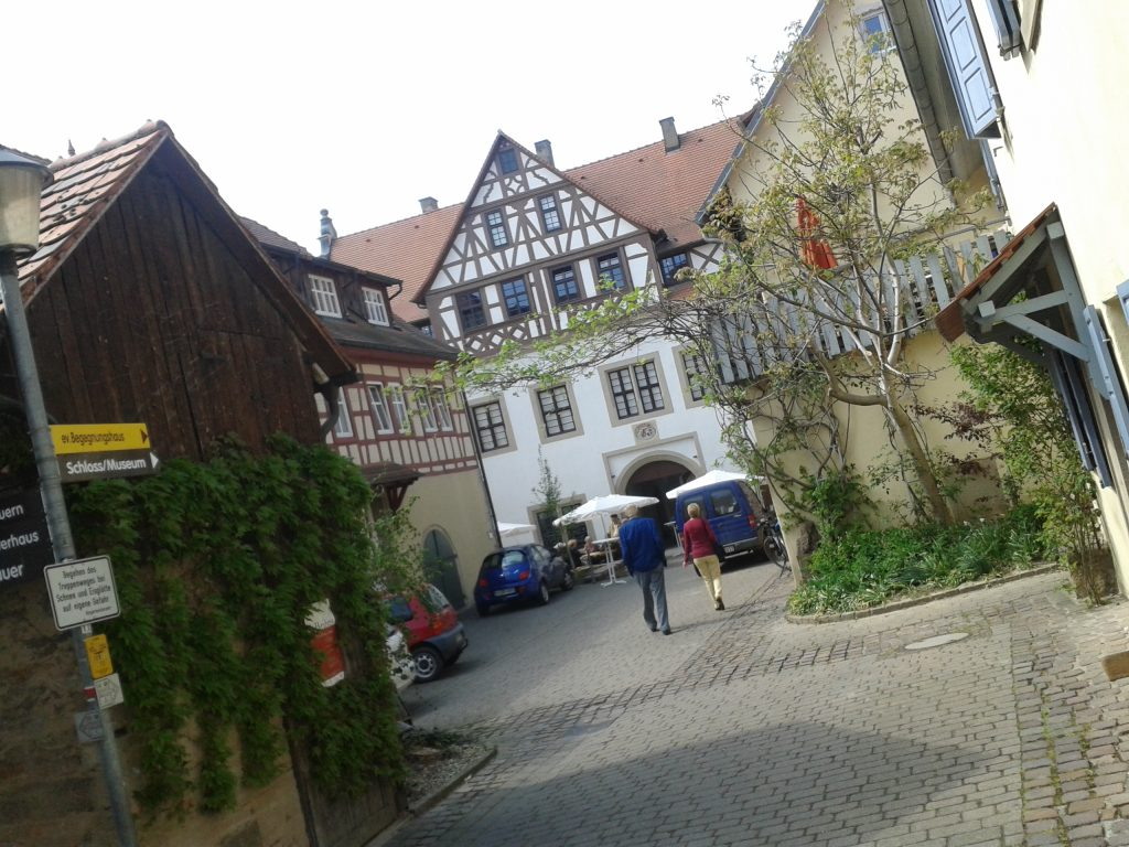 1eingang_schlosseroeffnung_gochsheim2013