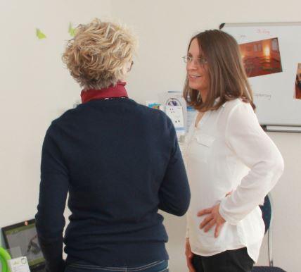 Ellen Wöhrle, Heilpraktikerin und Physiotherpeutin, hat eine Praxis in Menzingen